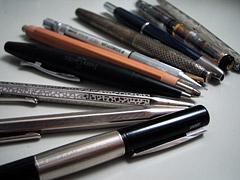 とりあえず机の上にあった筆記具