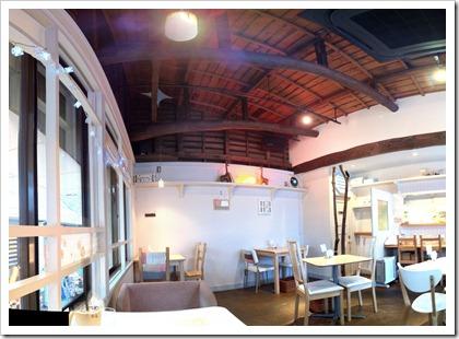 某カフェをHDR撮影してAutoStitchで合成してみた